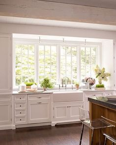 26 Wonderful White Kitchen Design Ideas And Decor. If you are looking for White Kitchen Design Ideas And Decor, You come to the right place. Here are the White Kitchen Design Ideas And Decor. Kitchen Sink Decor, Kitchen Sink Window, Farmhouse Sink Kitchen, Kitchen Redo, New Kitchen, Kitchen Dining, Kitchen Windows, Kitchen White, White Farmhouse