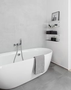 45 Stylish and Laconic Minimalist Bathroom Décor Ideas   DigsDigs