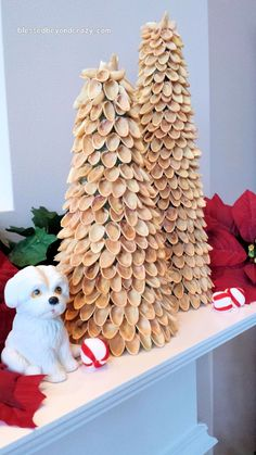 DIY Mini Pistachio Christmas Trees - it only takes a hot glue gun and several… Primitive Christmas Tree, Cone Christmas Trees, Rustic Christmas, Glue Gun Crafts, Foam Crafts, All Things Christmas, Christmas Crafts, Christmas Decorations, Decoracion Navidad Diy