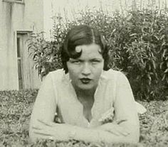 Blanche Barrow - sister-in-law of Clyde Barrow Bonnie And Clyde Quotes, Bonnie Clyde, Bonnie Parker, Old Photos, Vintage Photos, Real Gangster, Natural Born Killers, Texas History, School Photos