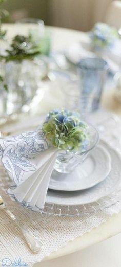 Hydrangea Colors, Green Hydrangea, Hydrangeas, Pink Garden, Summer Garden, Nantucket Wedding, Nautical Colors, White Cottage, Blue Party