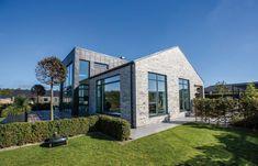 Århus 1 Nordic Cube ® er et registreret dansk design. Læs mere om designbeskyttelse hos Patent- og Varemærkestyrelsen.