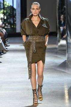 Alexandre Vauthier Fall 2016 Couture Fashion Show Image Fashion, Love Fashion, High Fashion, Fashion Show, Autumn Fashion, Fashion Design, Green Fashion, Estilo Fashion, Fashion Moda