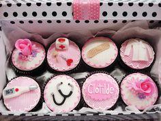 Doctor cupcakes by Isa Herzog, via Flickr