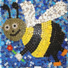 Plastic lid mosaic: very cool! Plastic Bottle Tops, Plastic Bottle Crafts, Recycle Plastic Bottles, Plastic Art, Bottle Top Art, Bottle Top Crafts, Bottle Cap Projects, Bottle Caps, Recycled Art Projects