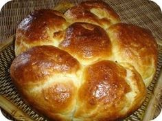 La brioche d' Yves Thuriès. Cooking Bread, Cooking Chef, Bread Baking, Cooking School, Croissants, Kids Cooking Party, Chefs, Desserts Ostern, Brioche Bread