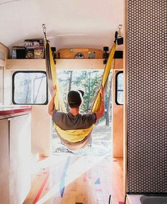 10 Camper Van Bed Designs For Your Next Van Build I would lay in a hammock in a van all day! That's the perfect hack. Makes me wanna - Creative Vans Vw T3 Camper, T3 Vw, Mini Camper, Camper Van, Volkswagen, Camper Beds, Motorhome, Camas Murphy, Campervan Bed