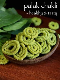palak chakli recipe, palak murukku, spinach murukku with step by step photo/video. simple green colored spiral savory snack from palak or spinach puree. Savory Snacks, Yummy Snacks, Snack Recipes, Cooking Recipes, Yummy Food, Hot Snacks, Vegetarian Recipes, Snacks Ideas, Bakery Recipes