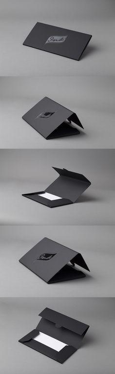 INK konvolutt emballasje. Curious Skin papir med spottlakk på logo. #emballasje Ph, Envelope, Packaging, Logo, Cards, Inspiration, Biblical Inspiration, Envelopes, Logos