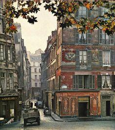 Paris in the 1950's....photo by Kurt Otto-Wassow