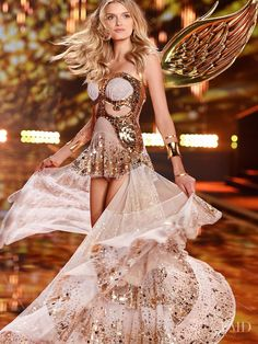 Photo feat. Lily Donaldson - Victoria's Secret - Christmas 2014 Ready-to-Wear - london - Fashion Show   Brands   The FMD #lovefmd
