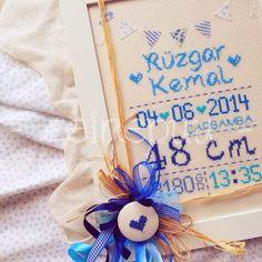 Esin hanım ın oğlu için tercih ettiği pano renkleri mavi tonları oldu .      Rüzgar Kemal , neşeyle büyüsün !      ♥ Hello Kitty, Cross Stitch, Gift Wrapping, Martini, Gifts, Couture, Crosses, Gift Wrapping Paper, Favors