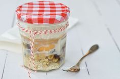Take away: overnight oats mugcake a healty breakfast!  Gezonde ontbijtcake in een mok -