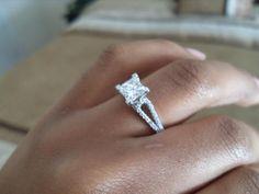 Solitaire princess cut ring