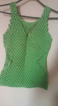 Most popular and Amazing Crochet Top Pattern Ideas of 2019 and 2020 - Page 38 of 55 Crochet Halter Tops, Pull Crochet, Crochet Tunic, Crochet Clothes, Sweater Knitting Patterns, Crochet Patterns, Wedding Dress, Crochet Woman, Dress Beach