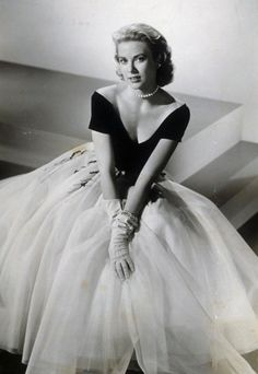 Grace Kelly | Her Most Iconic and Timeless Looks | Iconhouse