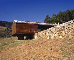 pavilhão carambó -  joanópolis, sp / UNA Arquitetos