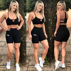 Top Grade Nervuras Preto Shorts, Ideias Fashion, Bra, Crop Tops, Fitness, Gym Outfits, Contouring, Modeling, Black