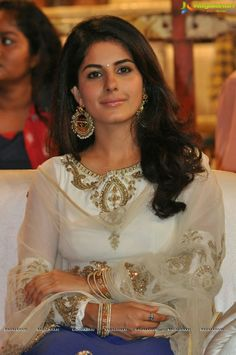 Isha Talwar At Raja Cheyyi Veste Audio launch Pictures 29 - Isha Talwar in a Sleevelss Short Choli and Ghagra at Cheyyi Veste Telugu movie audio launch Bollywood Celebrities, Bollywood Actress, Actress Pics, Big Photo, Telugu Movies, Beautiful Actresses, Indian Beauty, Celebrity Photos, Cool Girl
