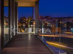 O local perfeito onde a Cidade se funde com a Natureza. Portugal, City, Townhouse, Places, Nature, Buildings, Cities