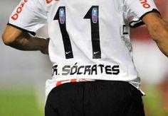 """""""O Corinthians é muito mais que um clube de futebol, o Corinthians é uma religião, é uma grande nação, mais, muito mais que isso, o Corinthians é uma voz, uma força, uma forma de expressão que a sua população tem."""" - Sócrates."""