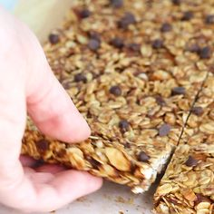 Chewy peanut butter granola bars made with clean ingredients and no refined sugar! Full of peanut butter flavor, easy to prepare (no oven required!) and perfect for a healthier treat. # Easy Recipes no oven Chewy Peanut Butter Granola Bars (no bake) Granola Bars Peanut Butter, Healthy Granola Bars, Homemade Granola Bars, Healthy Cereal Bars, No Bake Granola Bars, Chewy Granola Bars, Healthy Bars, Healthy Sweets, Healthy Baking