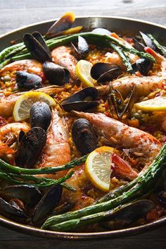 Grilled Seafood Paella Valenciana ~Yes, more please! Seafood Paella, Seafood Dishes, Seafood Recipes, Cooking Recipes, Healthy Recipes, Shellfish Recipes, Grilled Seafood, Fish And Seafood, Tapas