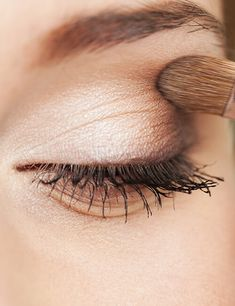 eye shape makeup 583708801691583872 - Makeup for Brunettes With Brown Eyes and Pale Skin Makeup Looks For Brown Eyes, Eyeshadow For Brown Eyes, Eye Shape Makeup, Pale Skin Makeup, Brunette Makeup, Makeup Course, Perfect Eyes, Light Brown Hair, Makeup Tricks