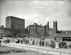 Cleveland: Public Square. Lyceum Theatre and Old Stone Church: 1905