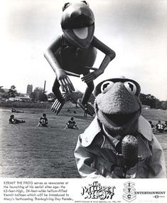 tparade_kermit-site has Macy's Thanksgiving Parade images from the past