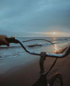 Image uploaded by Lucian. Find images and videos about love, fashion and summer on We Heart It - the app to get lost in what you love. Tumblr Wallpaper, Iphone Wallpaper, Summer Aesthetic, Film Photography, Aesthetic Pictures, Summer Vibes, The Dreamers, Scenery, In This Moment