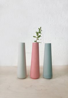 ceramic vase, single flower vase, minimalist Flower Vase, Modern Home Decor, pas. - Pin This Vase Centerpieces, Bud Vases, Flower Vases, Table Flowers, Ceramic Flower Pots, Ceramic Vase, Ceramic Decor, Pastel Home Decor, Small House Interior Design