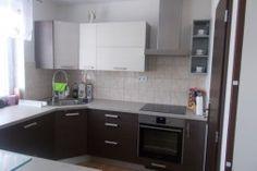kuchyňa: Zora vyhotovenie: woodline creme, woodline mokka Kitchen Cabinets, Home Decor, Kitchen Cupboards, Homemade Home Decor, Decoration Home, Kitchen Shelves, Interior Decorating