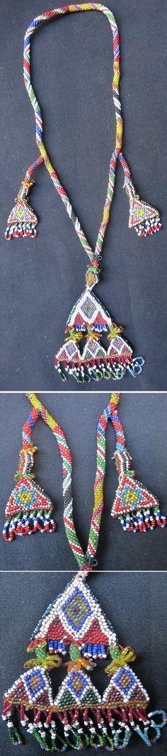 'Kolye / Gerdanlık'.  Beadwork necklace, mid 20th century.  From Türkmen villages in the Dinar district (Afyon province), e.g. Çölovası köyleri.  (Kavak Folklor Ekibi & Costume Collection-Antwerpen/Belgium).