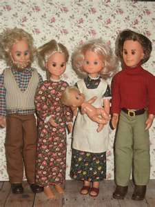 The Sunshine Family dolls  http://www.bing.com/images/search?q=sunshine+family+vintage+dolls+with+camper==n=QBIR=sunshine%2520family%2520vintage%2520dolls%2520with%2520camper=0-0=-1=#x0y0
