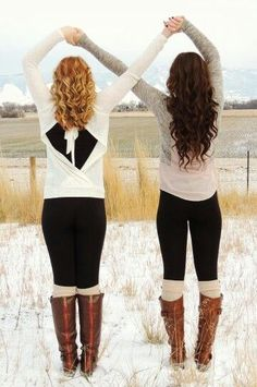 Best friend pictures ♥ @Angelina Mraz will u take a picture with me like this in front of the castle?!?? :)