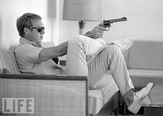 Ask a hundred (American) men to name a style icon and chances are the plurality will mention Steve McQueen. Born Terrence Steve McQueen in Beech Gr. Life Magazine, Maxim Magazine, Magazine Art, Steeve Mac Queen, Steve Mcqueen Style, Der Gentleman, Gentleman Style, Jack Purcell, Raining Men