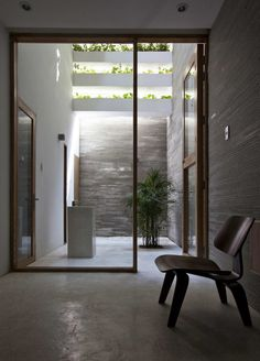 Inside 'Stacking Green' House in Saigon, Vietnam. #contemporary #courtyard by #Vo_Trong_Nghia. (2011)