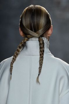 Бьюти-тренд с подиума: косы - Галерея 18 - Красота - Trend Space