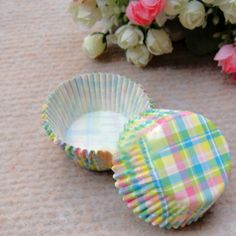 Capsulas para cupcakes con cuadros de colores(x50 unidades) / Capsules for cupcakes with colored squares (x50 units)