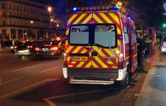 🇫🇷 #Paris Un individu attaque violemment une femme, la déshabille dans la rue et tente de la violer.