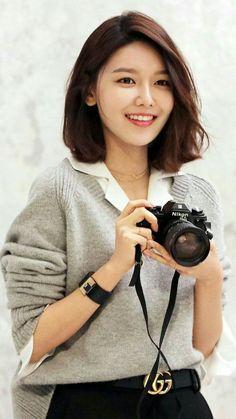 Sooyoung - in 2020 Asian Short Hair, Asian Hair, Girl Short Hair, Short Hair Cuts, Korean Short Hairstyle, Girl's Generation, Korean Look, Korean Girl, Sooyoung Snsd