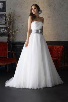 Brinkman 6357 trouwjurk