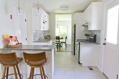 1000 ideas about white galley kitchens on pinterest for Galley kitchen with breakfast bar