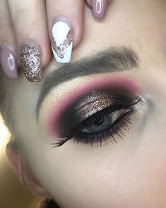 Rose gold halo eye on the beautiful @makeupbyalyssam_ Glammed Up Make sure to check out her page for more amazing makeup looks