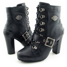 These boots freaking rock, i wish i could strut my stuff in heels, well ill some day have a pair Harley Boots, Harley Gear, Biker Wear, Biker Boots, Harley Apparel, Motorbikes Women, Harley Davidson Shoes, Bike Style, Motorcycle Outfit