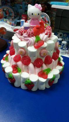 En Duldi ciudad Real han hecho una tarta muy muy dulce para enamorar a cualquier niña Candy Cakes, Candy Gifts, Creations, Desserts, Baby, Food, House Party, Fiestas, Stuff Stuff
