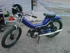 """""""Old blue"""" a 1980 puch Maxi custom build. The first moped I built and later gifted to my wife for our anniversary"""