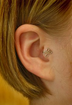 Fleur LEFT Tragus Cuff Silver Ear Cuff wire loop by ZyDesigns