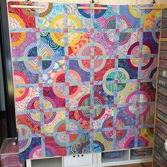 Finished 😀 Fabrics Kaffe Fassett Collective Fassett # Brandon Mably and Philip Jacobs Bright Quilts, Colorful Quilts, Batik Quilts, Scrappy Quilts, Easy Quilts, Quilt Inspiration, Drunkards Path Quilt, Circle Quilts, Quilt Blocks